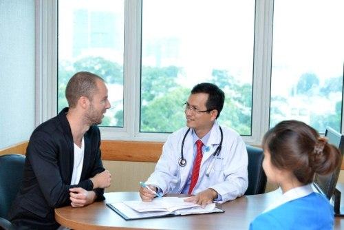 Chi phí khám chữa bệnh ở Việt Nam tương đối thấp