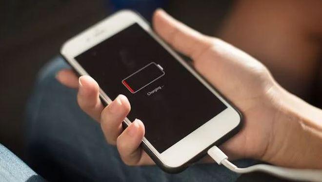 Cách kích nguồn điện thoại